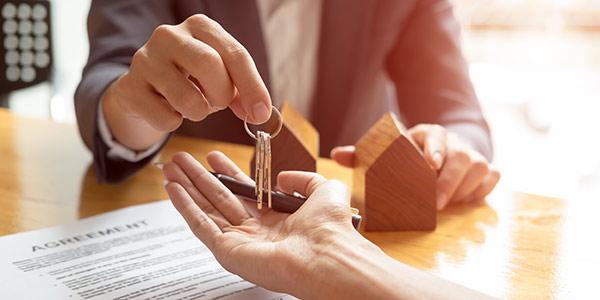Schlüsselübergabe Mietvertrag
